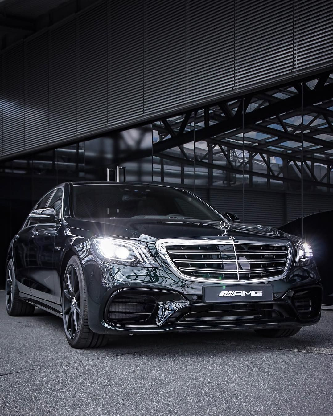 Pin By Justbebillioniare On Luxury Cars Mercedes Benz Cars Benz S Mercedes Benz World