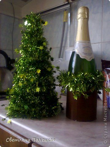 Master class Simulation: Christmas fir tree new year.  Photo 2 - a fun idea to use wine bottle to build the Christmas tree