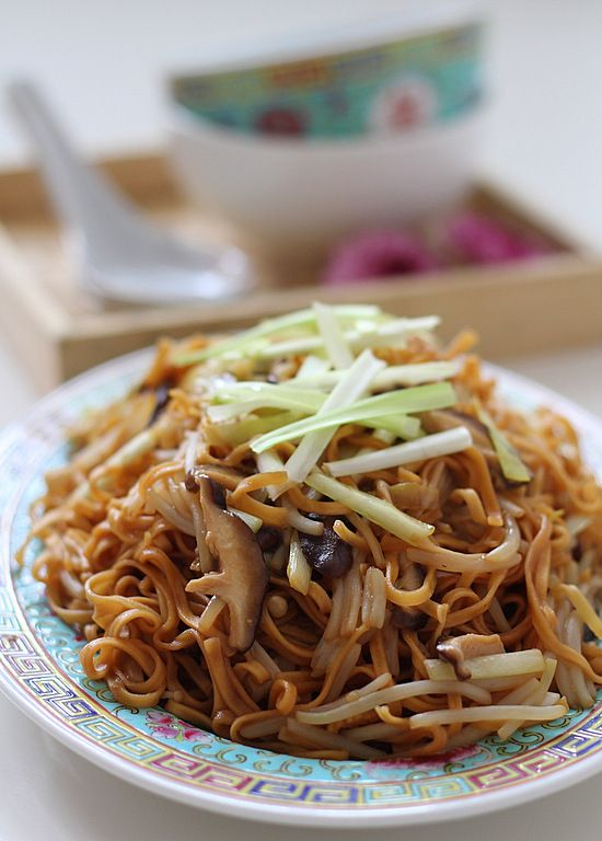 The Little Teochew Singapore Home Cooking Braised Ee Fu Noodles For Pigpigscorner Asian Recipes Asian Cooking Top Recipes