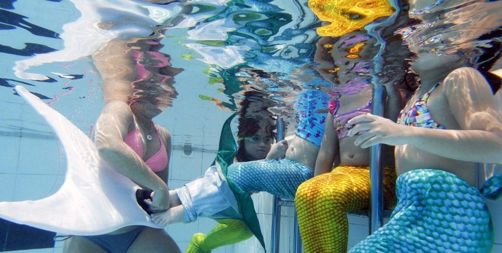 Obviously, 'mermaiding' or 'mermaning' isn't as much of a niche lifestyle as we thought. A school for mermaid-wannabes actually exists out here in Southeast Asia to make mermaiding accessible to the masses and allow anyone to strap on a mermaid tail and learn to sashay through large water bodies.