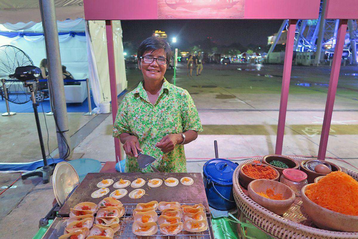 Street Food In Bangkok The Best Thai Cuisine Travelgeekery Best Thai Food Street Food Bangkok Food
