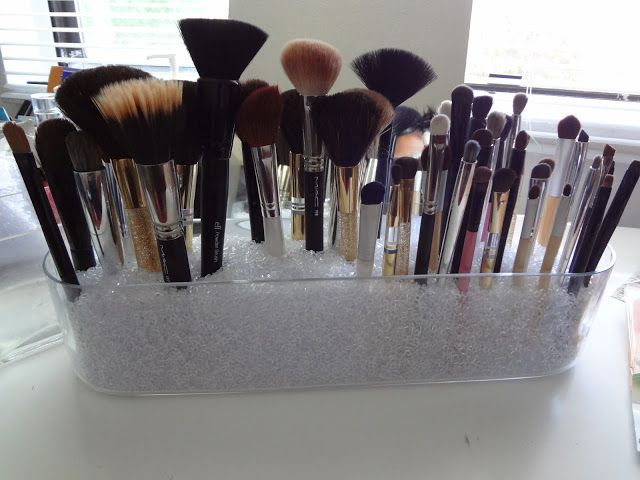 makeup brush storage ideas | Makeup brushes storage