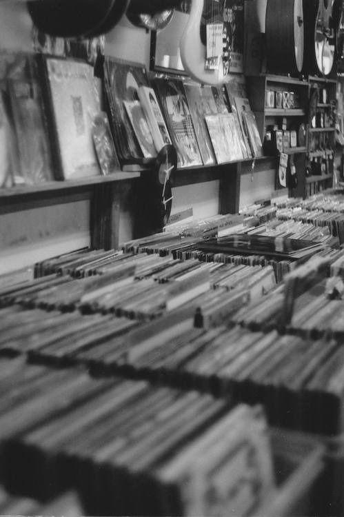 A ton of vinyl) Produção musical, Musica eletronica e Vinis