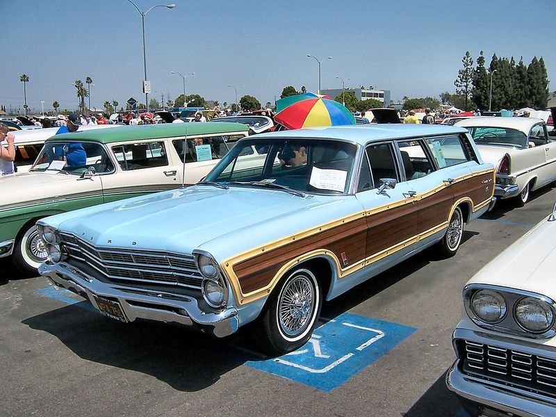 1967 Ford Country Squire Station Wagon Wikipedia Station