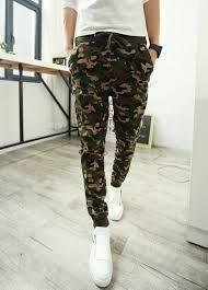 58313094bc Pantalones militares para hombres. Pantalón militar. Pantalones verdes.  Pantalones para hombres otoño-invierno 2016-2017. Outfits.