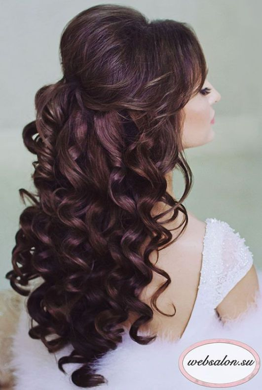 Hairstyles For Quinceaneras 15 Prettiest Halfup Quinceanera Hairstyles  Pinterest