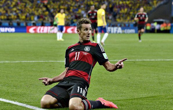 Wallpaper Miroslav Klose Miroslav Klose Germany Deutschland Germany Fifa Wallpapers Sports Download Fifa Miroslav Klose Dfb