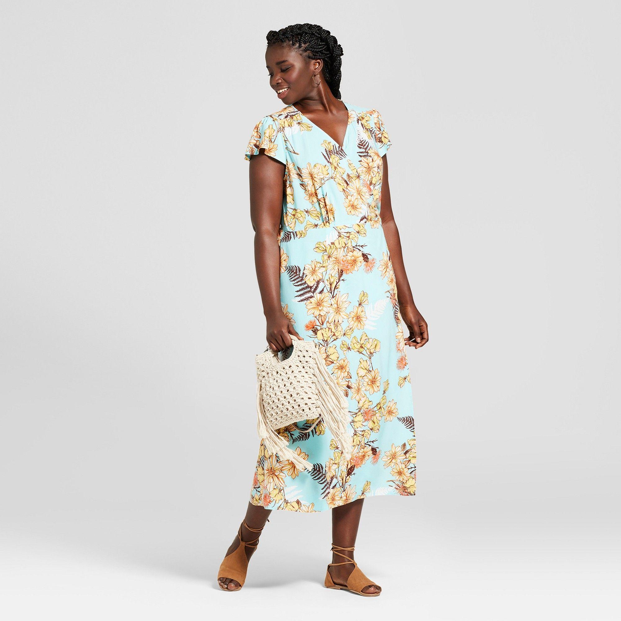 Women S Plus Size Floral Print Short Sleeve Maxi Dress Xhilaration Blue 4x Size Small Maxi Dress With Sleeves Floral Print Shorts 21st Birthday Outfits [ 2000 x 2000 Pixel ]