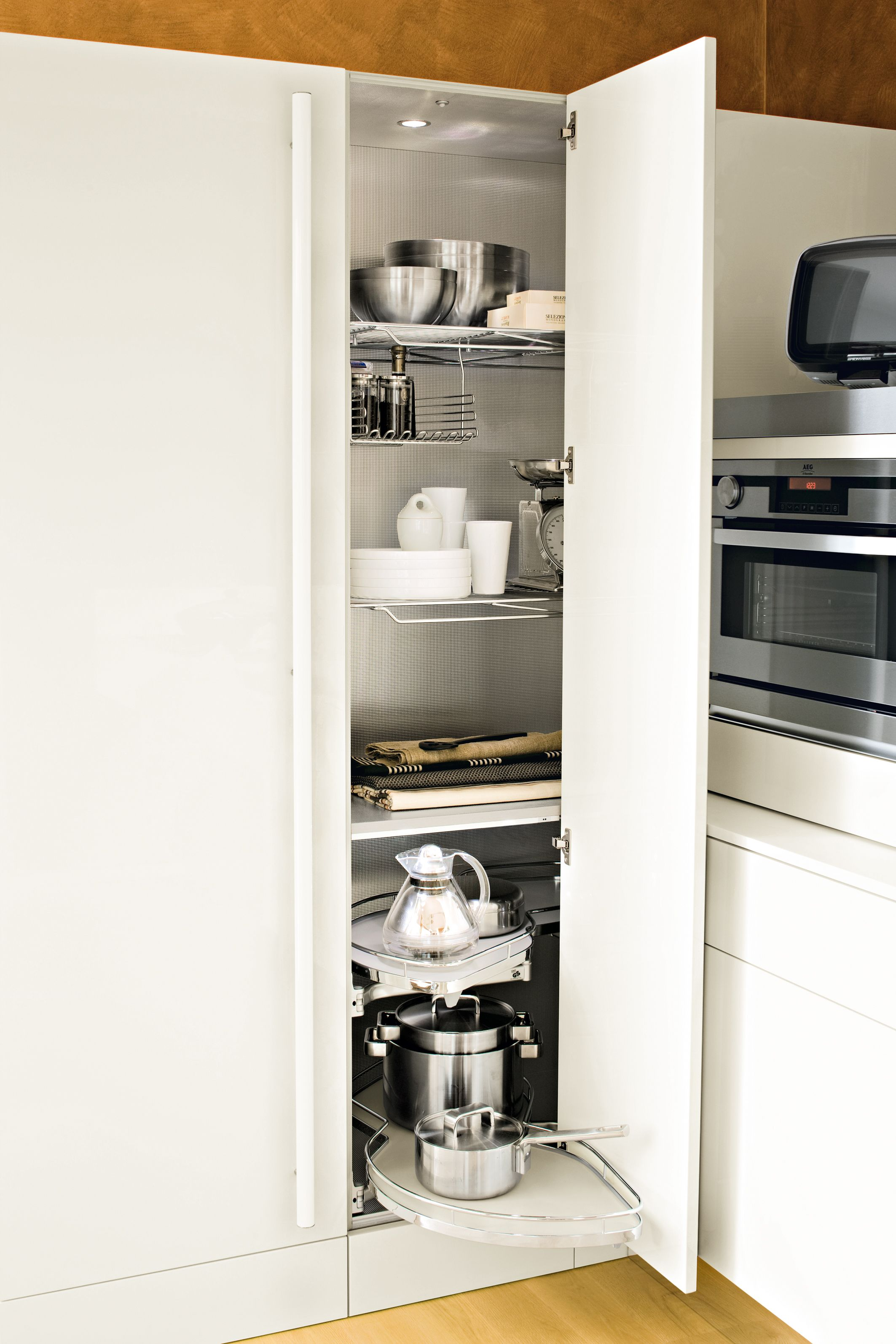 Snaidero #Cucine #Kitchen. Le Mans equipped #corner unit. | Le Mans ...