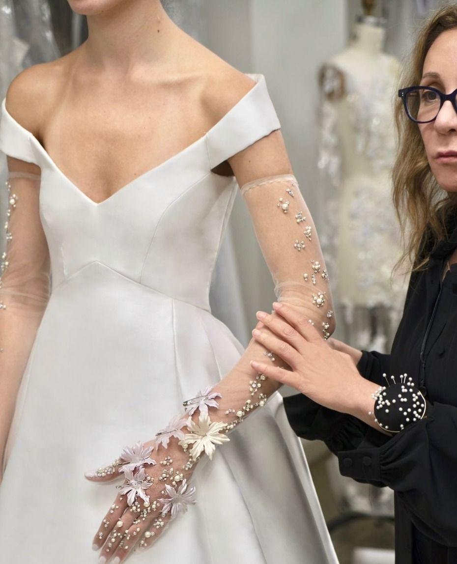 Princess Eugenie Went Straight Up Disney For Her Wedding Day Tulle Cocktail Dress Mermaid Dresses Wedding Dresses Lace [ jpg ]