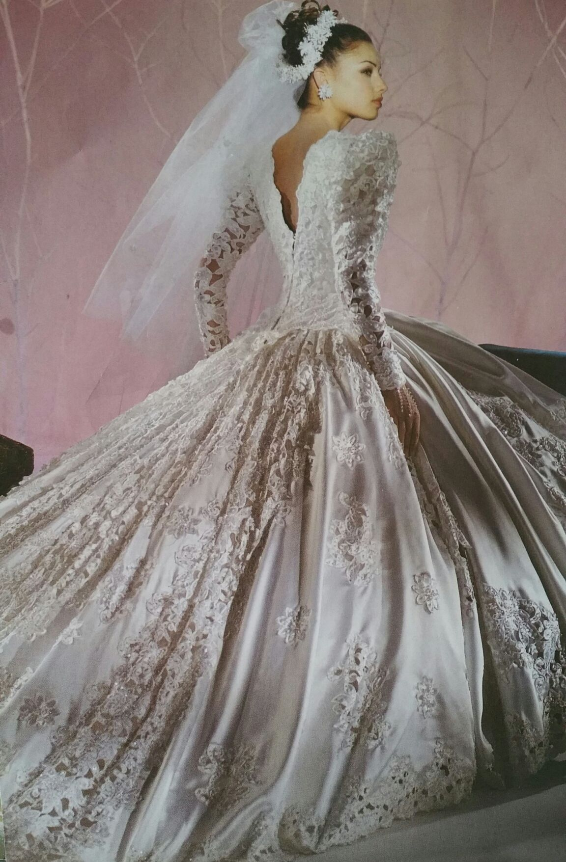 This Was Dream Gown In The 90 S Demetrios 1993 Back View Wedding Dresses 80s Wedding Dresses 90s Wedding Dress