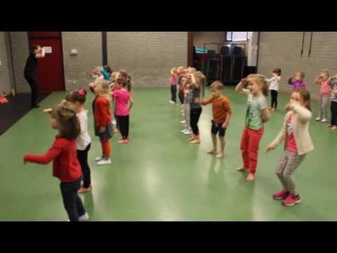 Kleuters - Dansje voor de Sint #sintenpiet