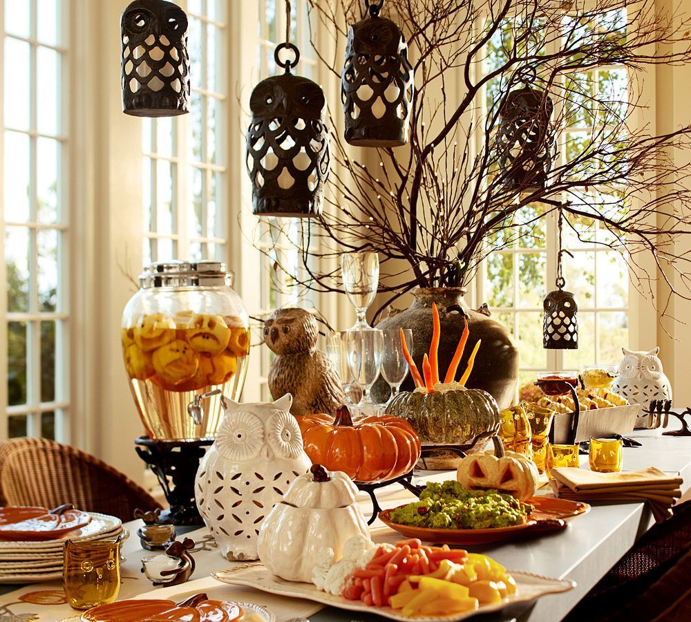 Tony S Top Tips For Halloween Decorating And Beyond Pottery Barn Pottery Barn Halloween Halloween Table Halloween Party Decor
