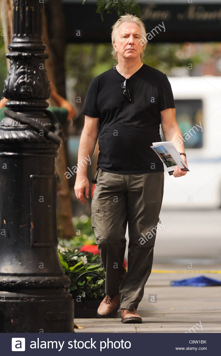 Alan Rickman Views Apartments In The West Village New York
