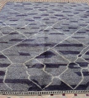 Very excited to have a few contemporary Beni Ouarain carpets in my collection! Available on my website www.beyondmarrakech.com