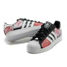 Finito Privación microscópico  Chaussure adidas noir et rose motif fleur.🌸🌼🌺🌹🌻💮