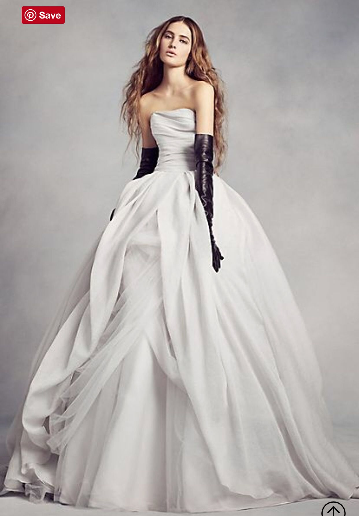 Vera wang ball gown wedding dress  Pin by Selina Kyle on 服  Pinterest  Ball gown dresses Ball gowns