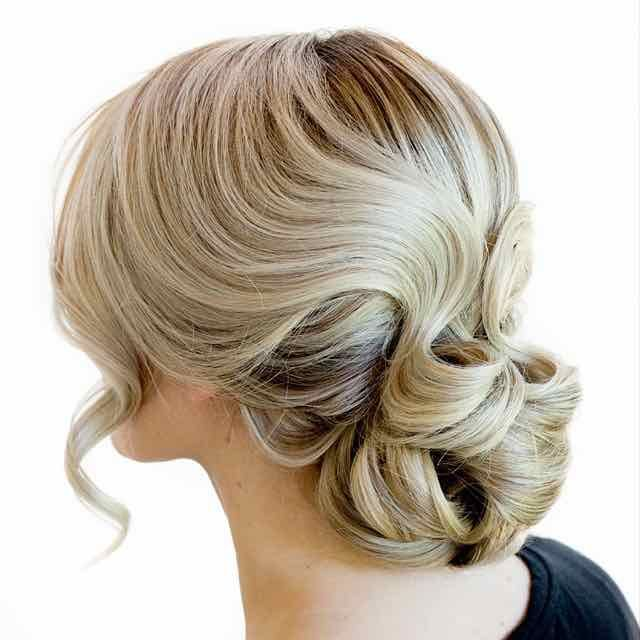 Simple Long Hair Wedding Style For Mother Of Groom In Her 60 S: Effortlessly Chic Wedding Hairstyles