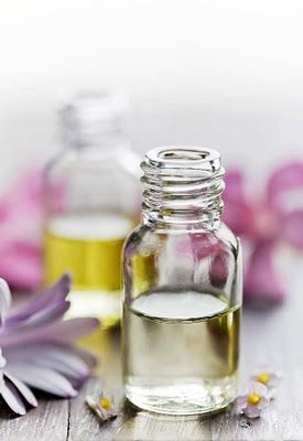 */ Scenting Naturally - Making Natural Perfumes - Part 1 - Families and Notes