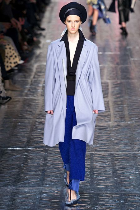 Acne Studios Fall 2013 Ready-to-Wear Collection Slideshow on Style.com