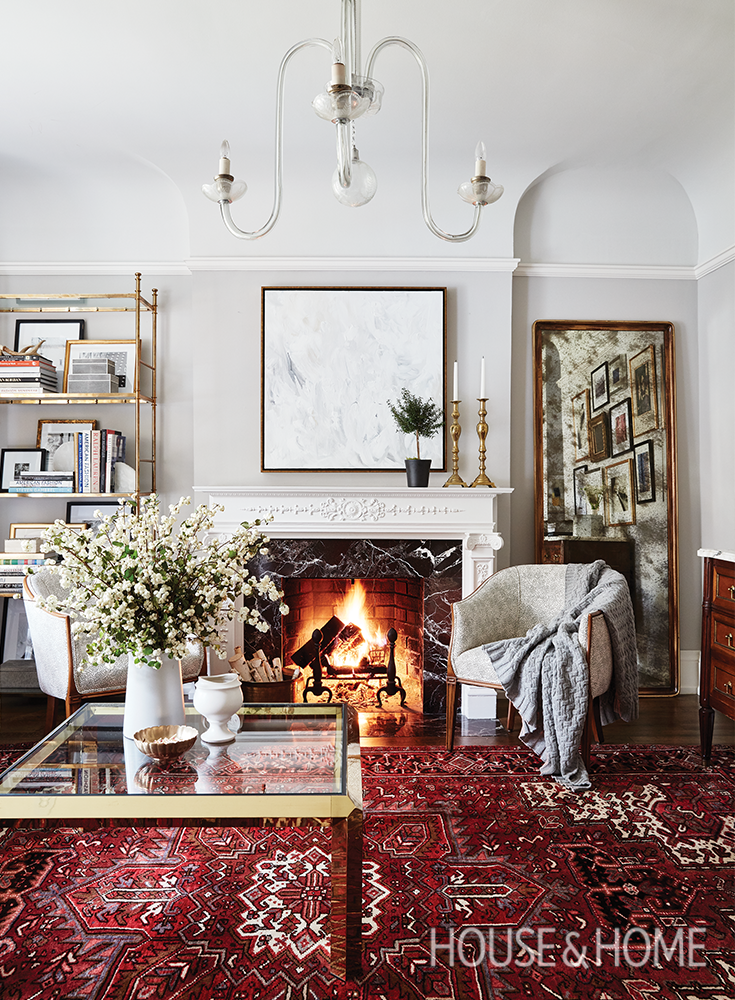 How To Mix Traditional And Modern Decor Red Rug Living Room