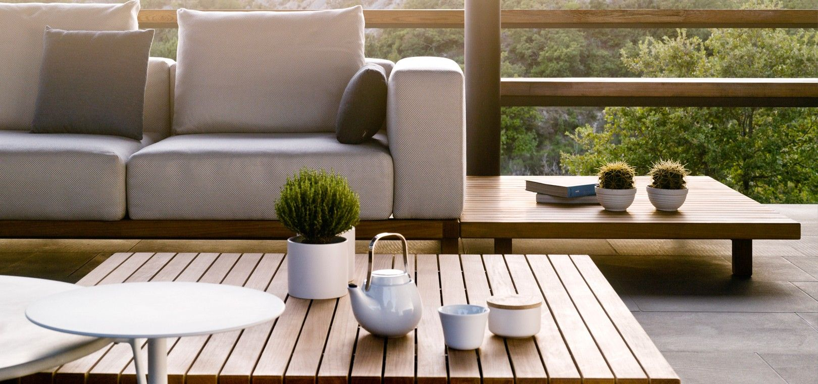 Tribù\'s Vis à vis sofa, is an exclusive outdoor sofa in teak with ...