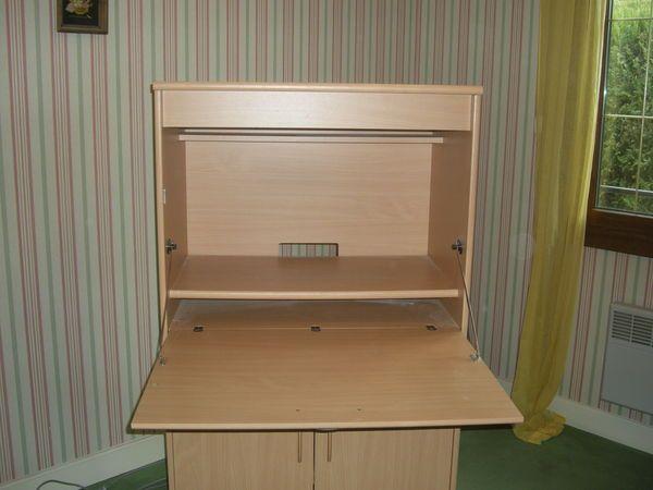 Meuble Rangement Imprimante meuble informatique haut : 1.37 long : 0.80 prof : 0.44 2 portes en