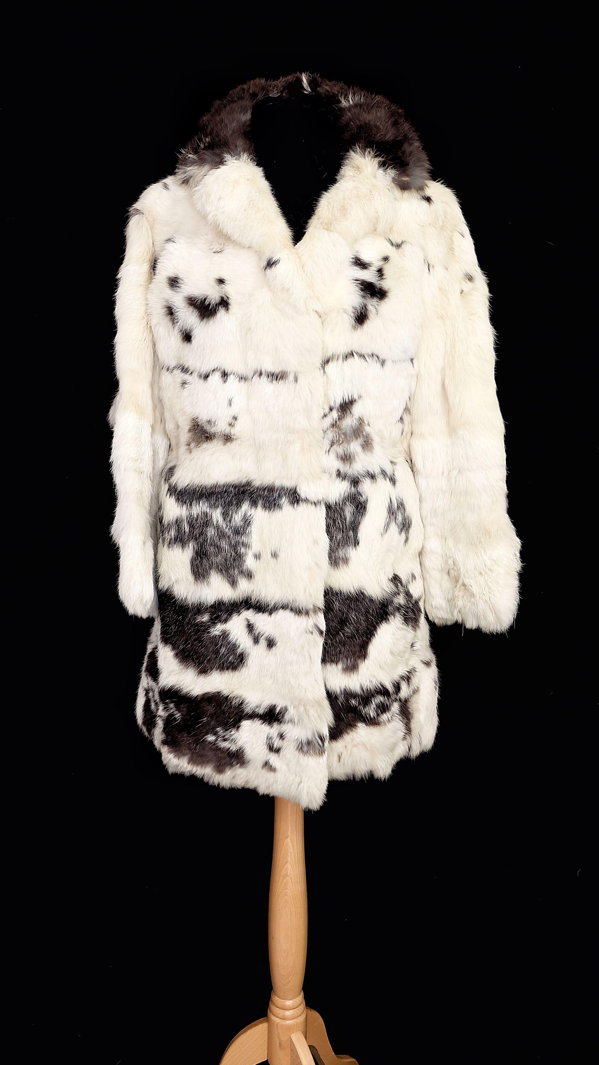 Vintage Rabbit Black And White Cosy Real Fur Etsy Vintage Fur Jacket Fur Coat Vintage Black And White Rabbit [ 4509 x 2536 Pixel ]
