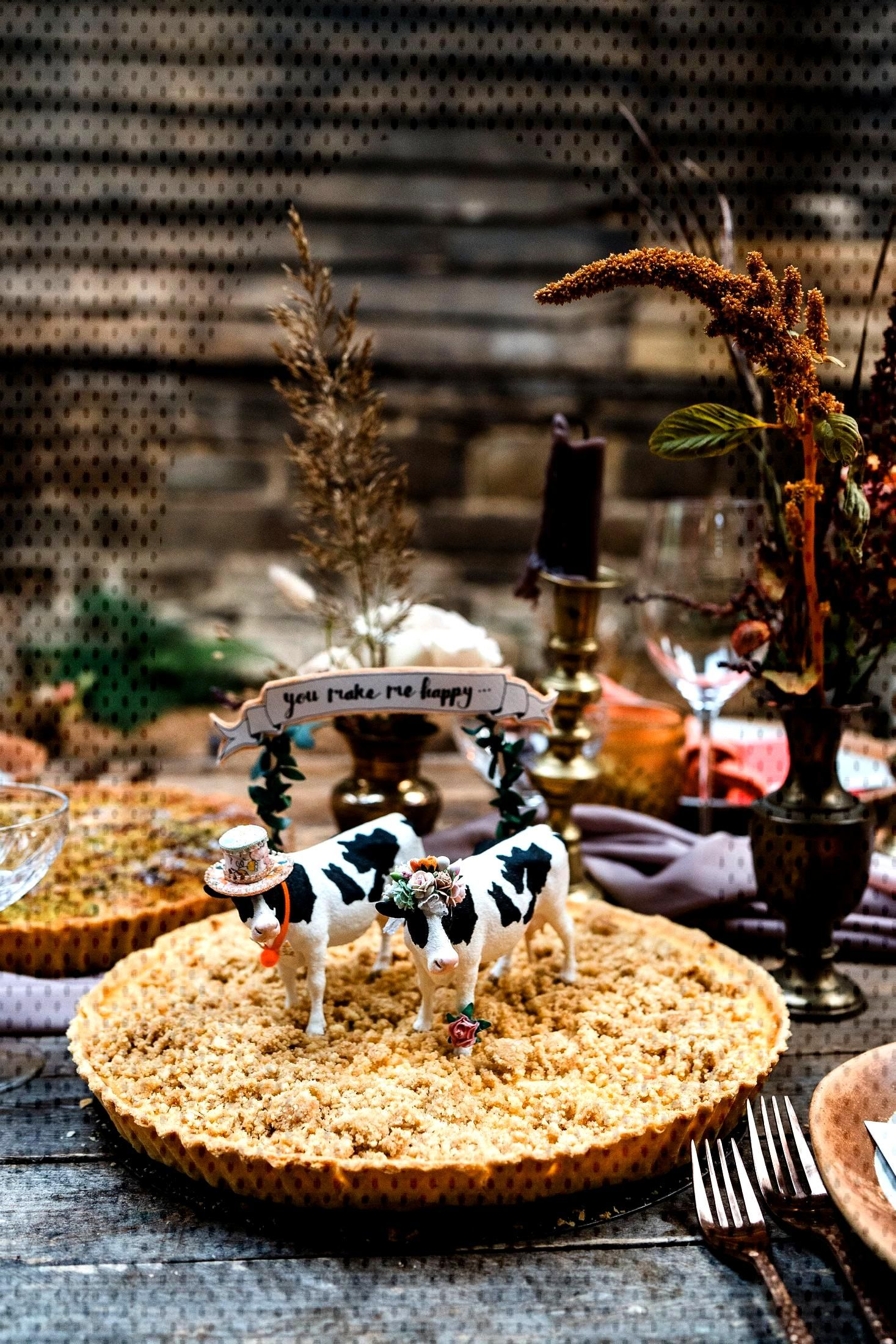 Cows in hats cake toppers Perfect for this rustic setting, cow...