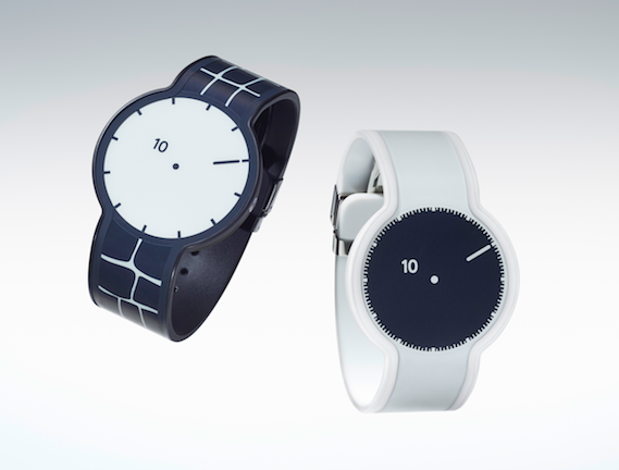 おしゃれな子は、手元のおしゃれも意識をしているもの。時計だって、ファッションの一部としてこだわりたいですよね。その日のファッションや気分によって色や柄を変えられる不思議な腕時計「FES Watch(フェスウォッチ)」をご紹介します。