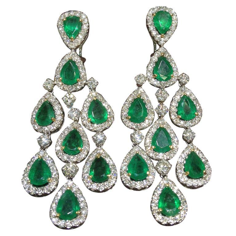 Classic Emerald And Diamond Chandelier Dangle Earrings 1stdibs Com Silver Earrings Dangle Emerald Earrings Diamond Chandelier Earrings