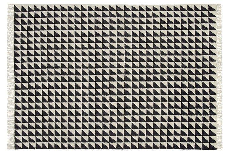 Rectangular rug with geometric shapes IZA by e15 design Philipp Mainzer