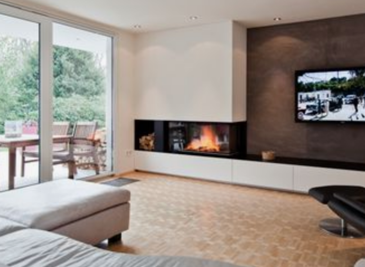Living moderno con camino e tv. Pin Su Home Design