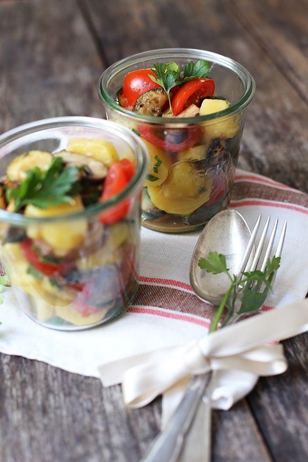 hey lust auf ein picknick klassischer kartoffel salat nach omas rezept mit gegrilltem gem se. Black Bedroom Furniture Sets. Home Design Ideas