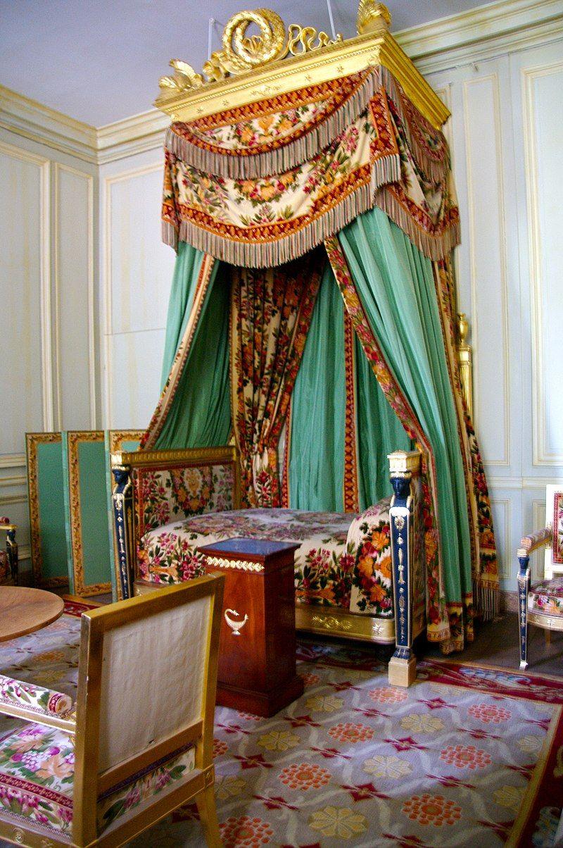 Chambre, petit appartement de l'empereur Napoléon Ier à Fontainebleau.jpg |  Petit appartement, Chateau de fontainebleau, Fontainebleau