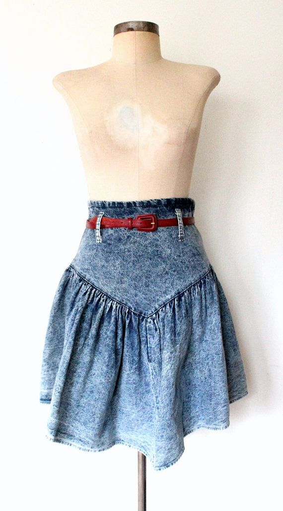 ACID WASH ★ 1980s High Waist Blue Jean Skirt : Lolavintage.com #acidwash #80sacidwash #80sskirt
