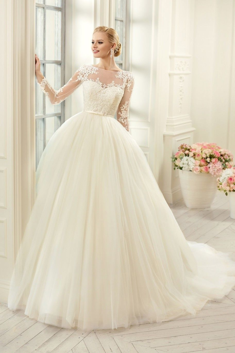 Muslim Plus Size Long Sleeves Lace Wedding Dresses See Through Corset