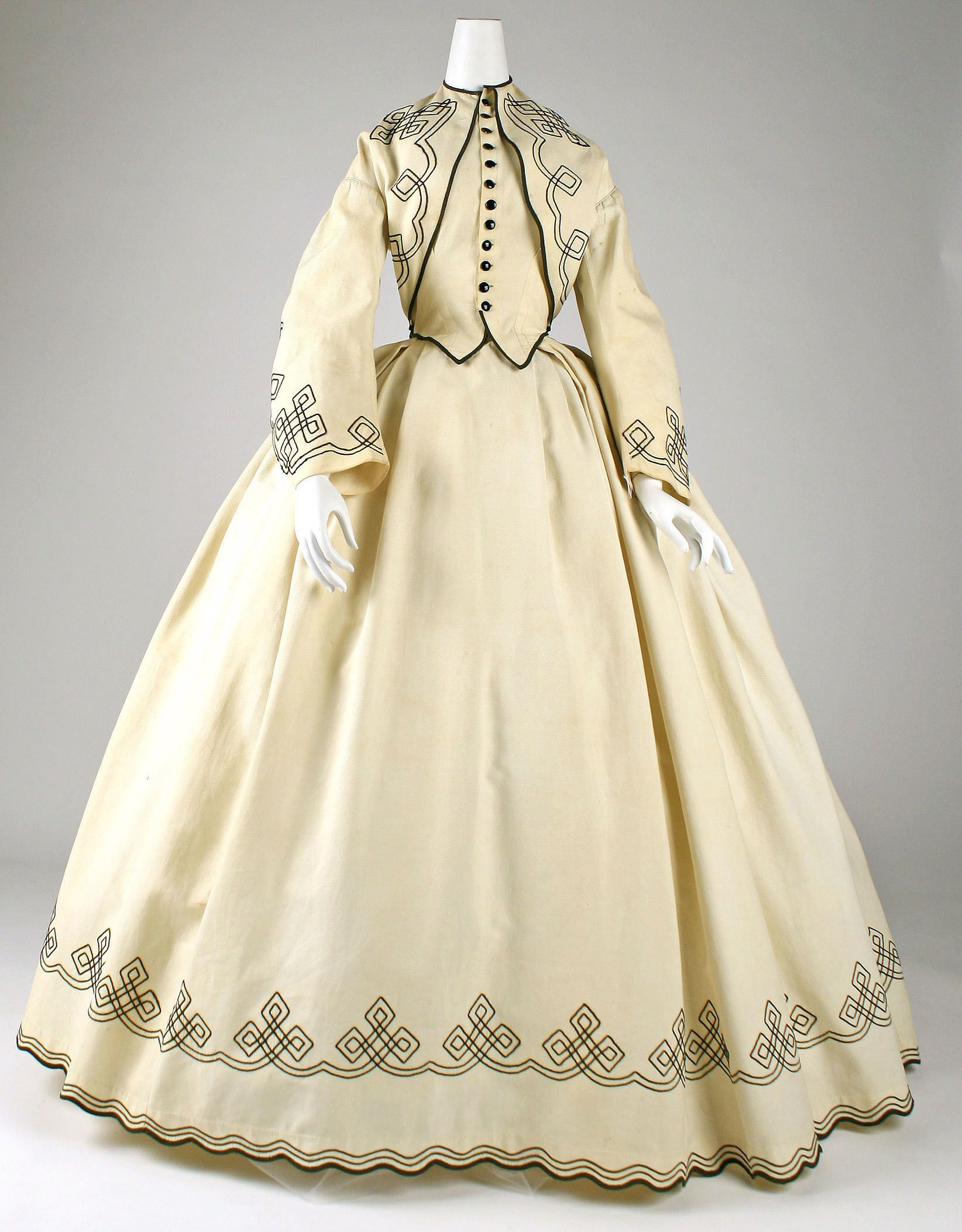 Dating victorian costume — pic 13
