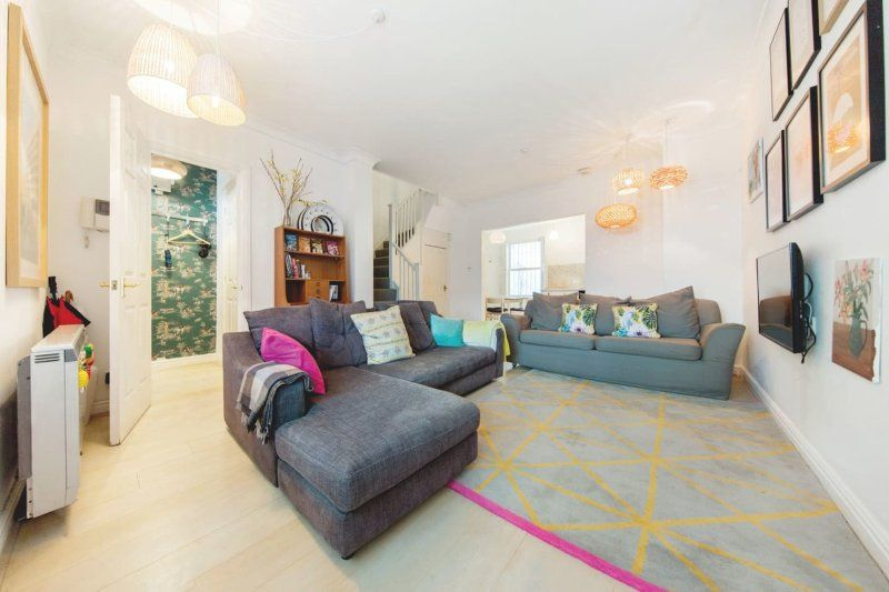 Rent this 3 Bedroom Apartment in London for $169/night ...