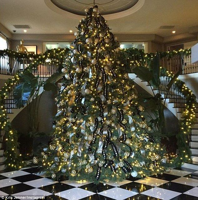 Kris Jenner S Outrageously Decadent Christmas Tree Luxury Christmas Tree Beautiful Christmas Trees Christmas Tree Decorations