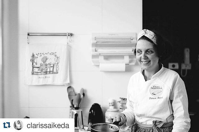 Poucos tem amigos talentosos. Dona Manteiga na cozinha. #Repost @clarissaikeda with @repostapp ・・・ #portraits #blackandwhite #bwphotography #culinary