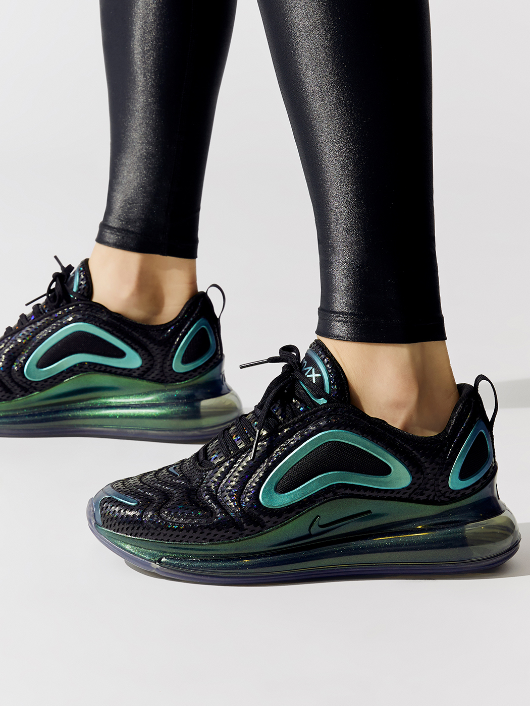 Nike Women's Air Max 720 BlackBlack metallic silver