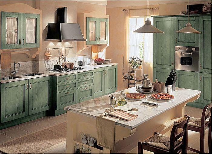 Cocina Clasica Con Tonos Suaves En Los Muebles Y Cuenta Con Una
