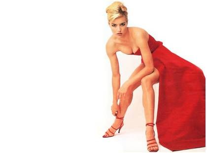 All about tea leoni legs pity