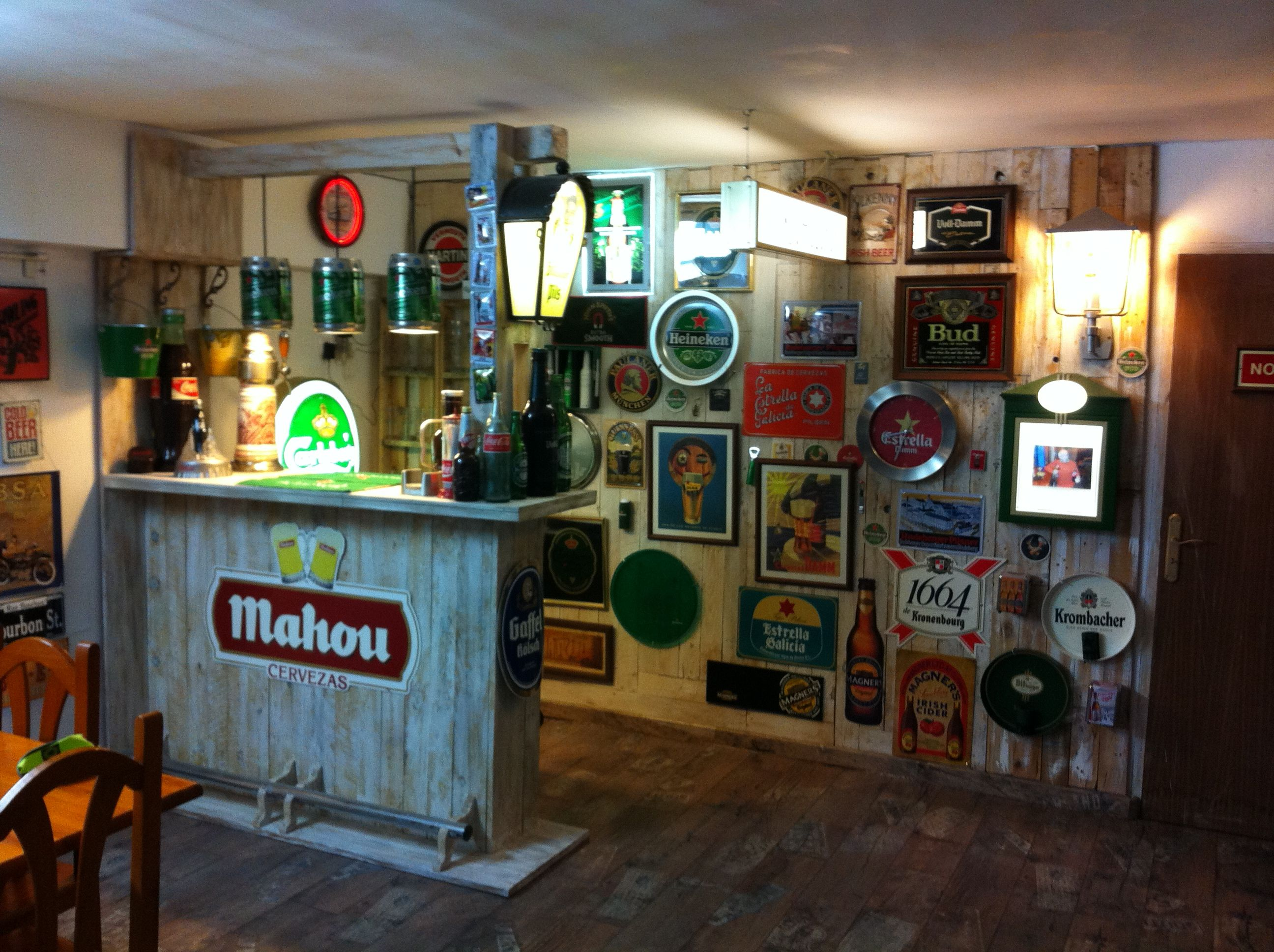 Barra de bar de palets muebles hechos con palets pinterest barra de bar palets y bar - Ideas decoracion bar ...