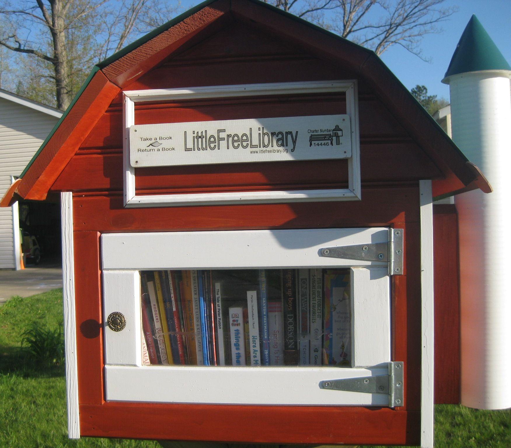 Jenny Shea. Big Rapids, MI. Little free libraries, Free