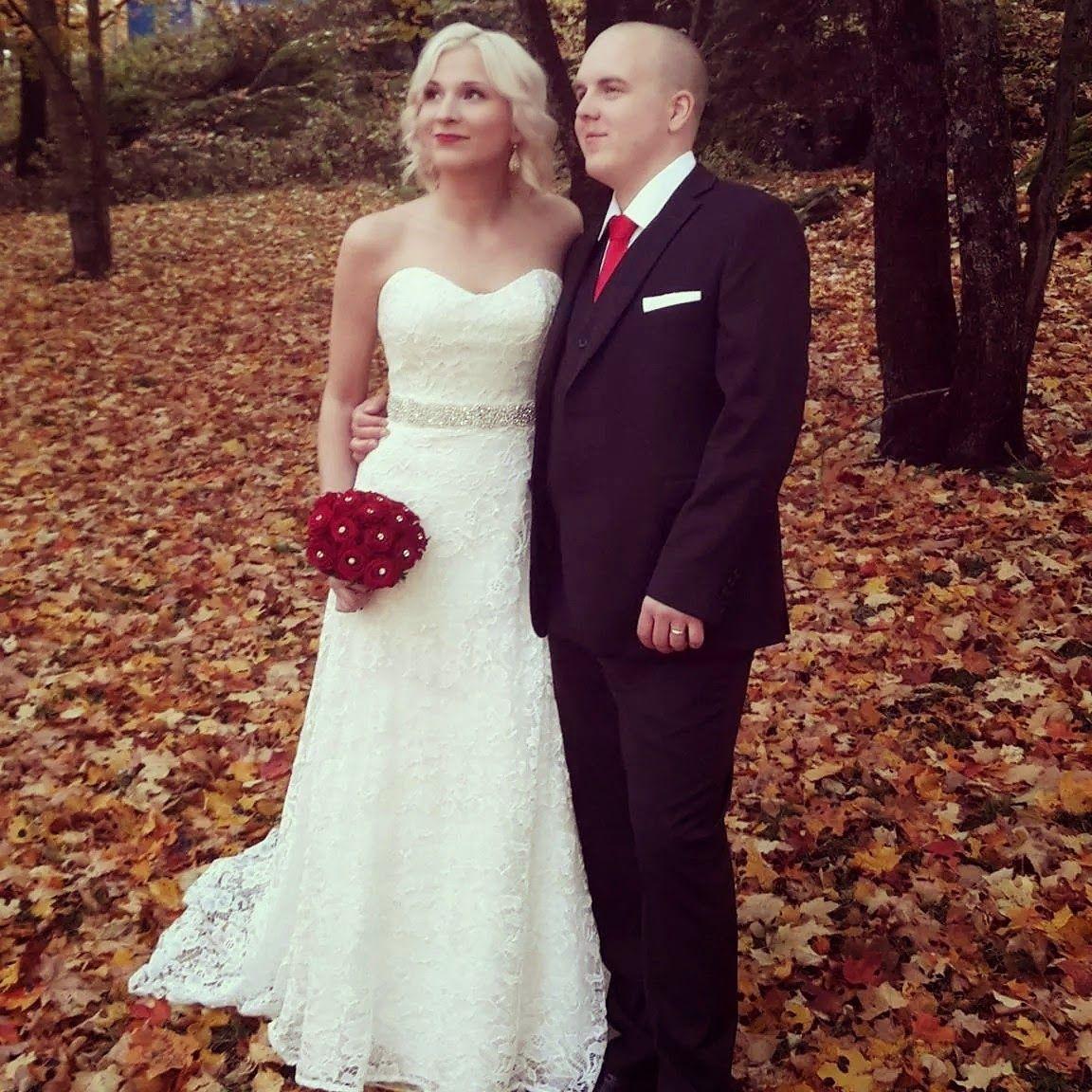 Piece of Wedding Cake: autumn wedding, fall wedding, lace wedding dress, wedding in Finand