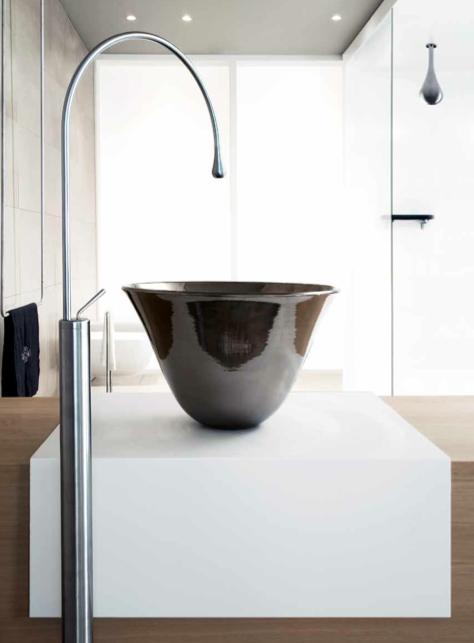 Você sabia que a linha Goccia é total look? Isso mesmo todos os produtos da linha seguem o mesmo conceito de design, dos metais às louças. Uma tendência que está vindo para ficar.