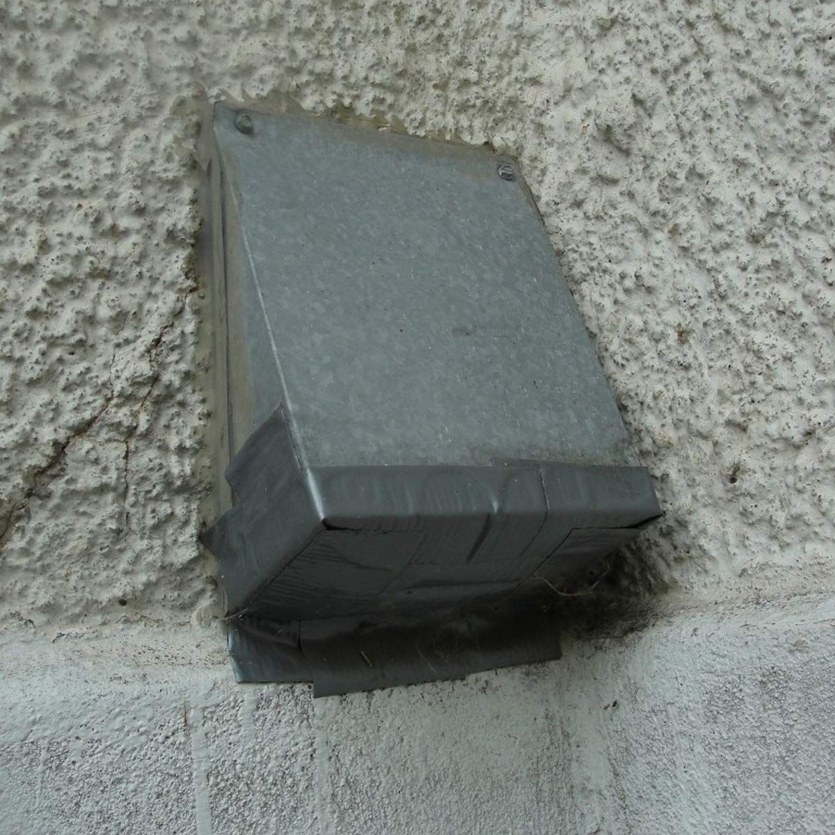Don T Vent Your Clothes Dryer Through The Roof Clothes Dryer Dryer Vent Dryer Vent Cover