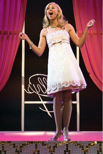 Laura Bell Bundy Is Elle In Tpac S Legally Blonde 6 15 6 29